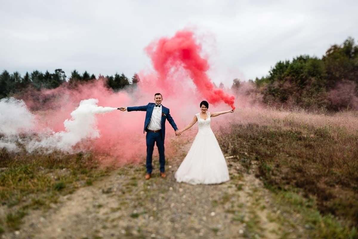 wedding-smoke-bombs
